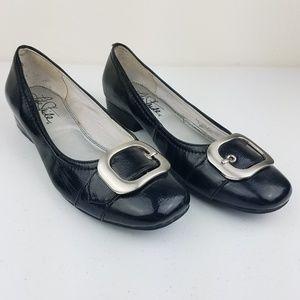 LIFE STRIDE Tori Black Loafer Flats